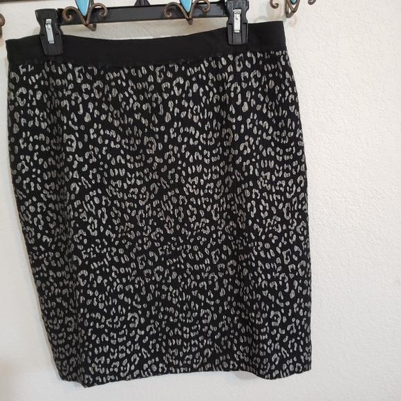 Ann Taylor black and silver print skirt.